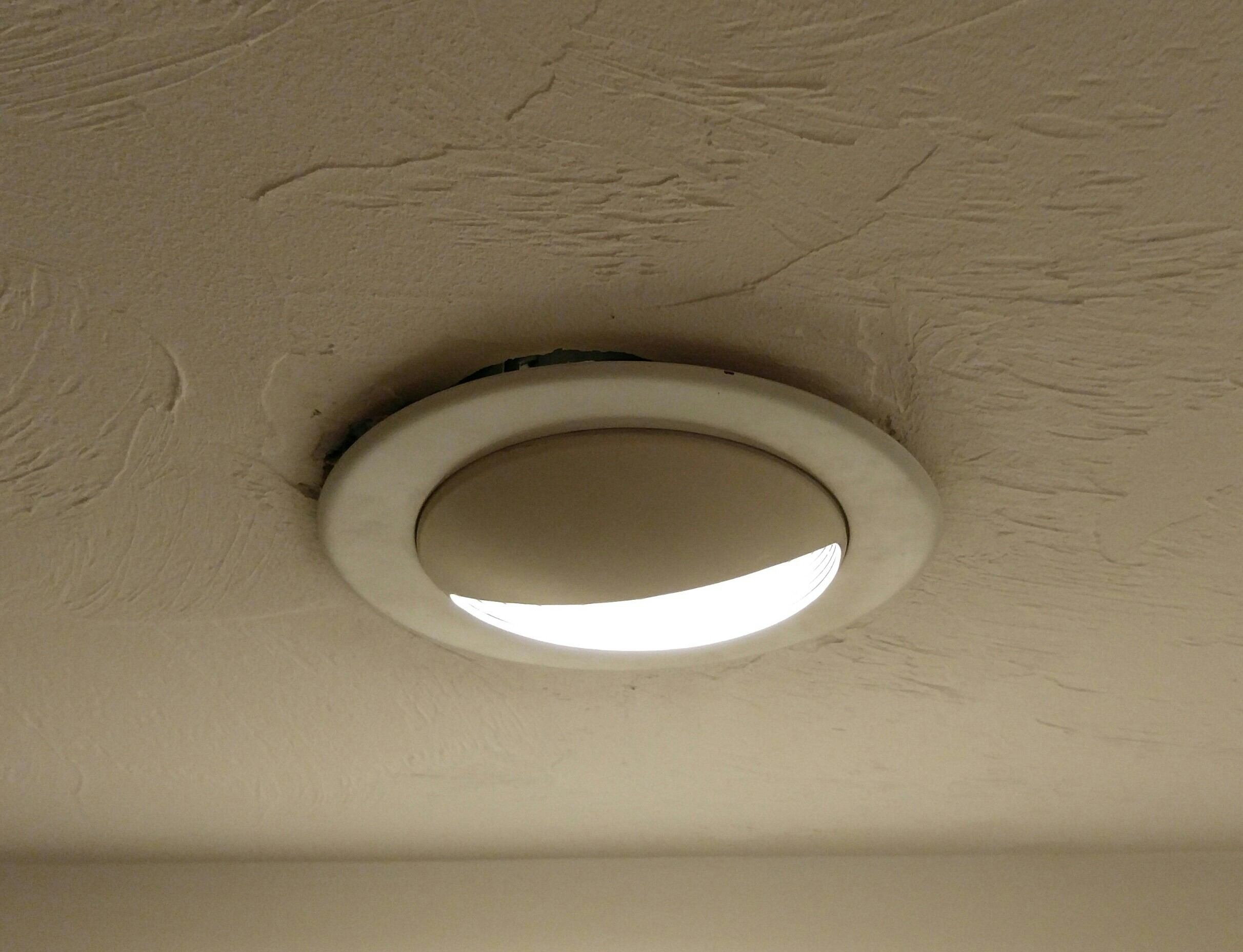 Breathtaking Enter Image Description Lighting Ceiling Lighting How To Remove Fix Recessed Light Trim Home Recessed Lighting Trim 4 Inch Recessed Lighting Trim Removal houzz-03 Recessed Lighting Trim