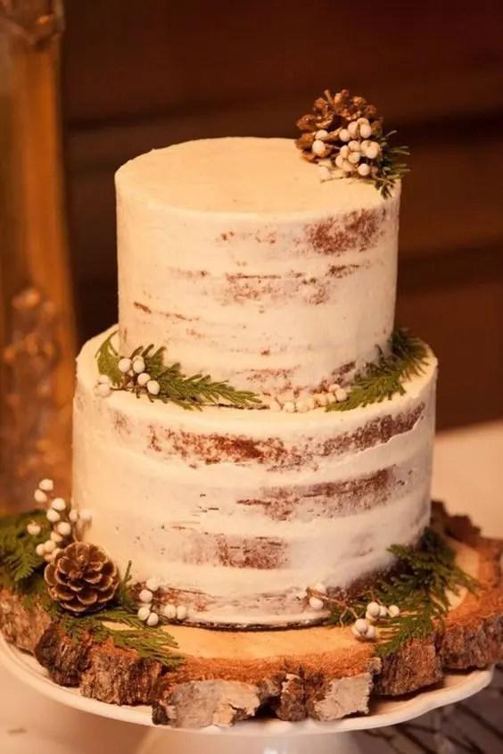 15 Trendy Winter Wedding Cakes