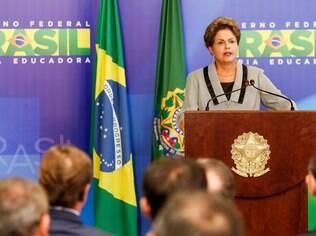 Dei minha vida para que o povo pudesse protestar, diz Dilma após manifestações
