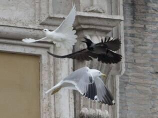 Vaticano envia presságio de tempos difíceis a vista