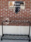 Hard Rock Park - Free Air Guitars