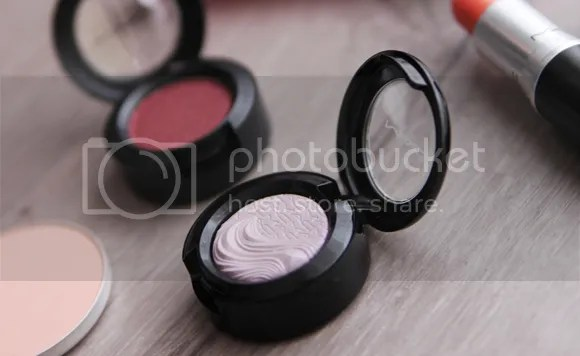 MAC Extra Dimension Eye Shadow Ready To Party