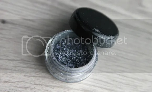 MAC Stash Soft Wash Grey