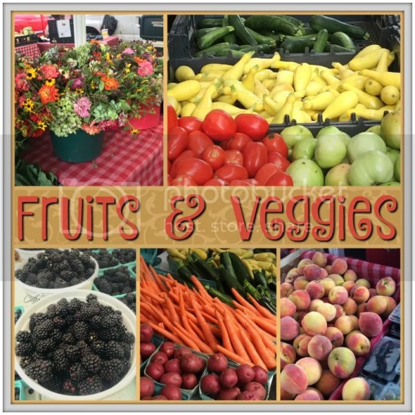 The Summerville Farmers Market is straight out of a chick-flick featuring a small Southern town! Take a quick tour of our favorite booths and products. #farmersmarket #Summerville #CMB #SouthCarolina #smalltownlife