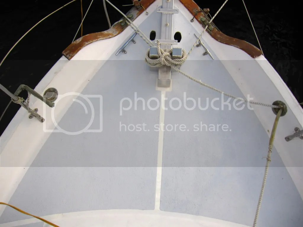 Foredeck painted with kiwi grip