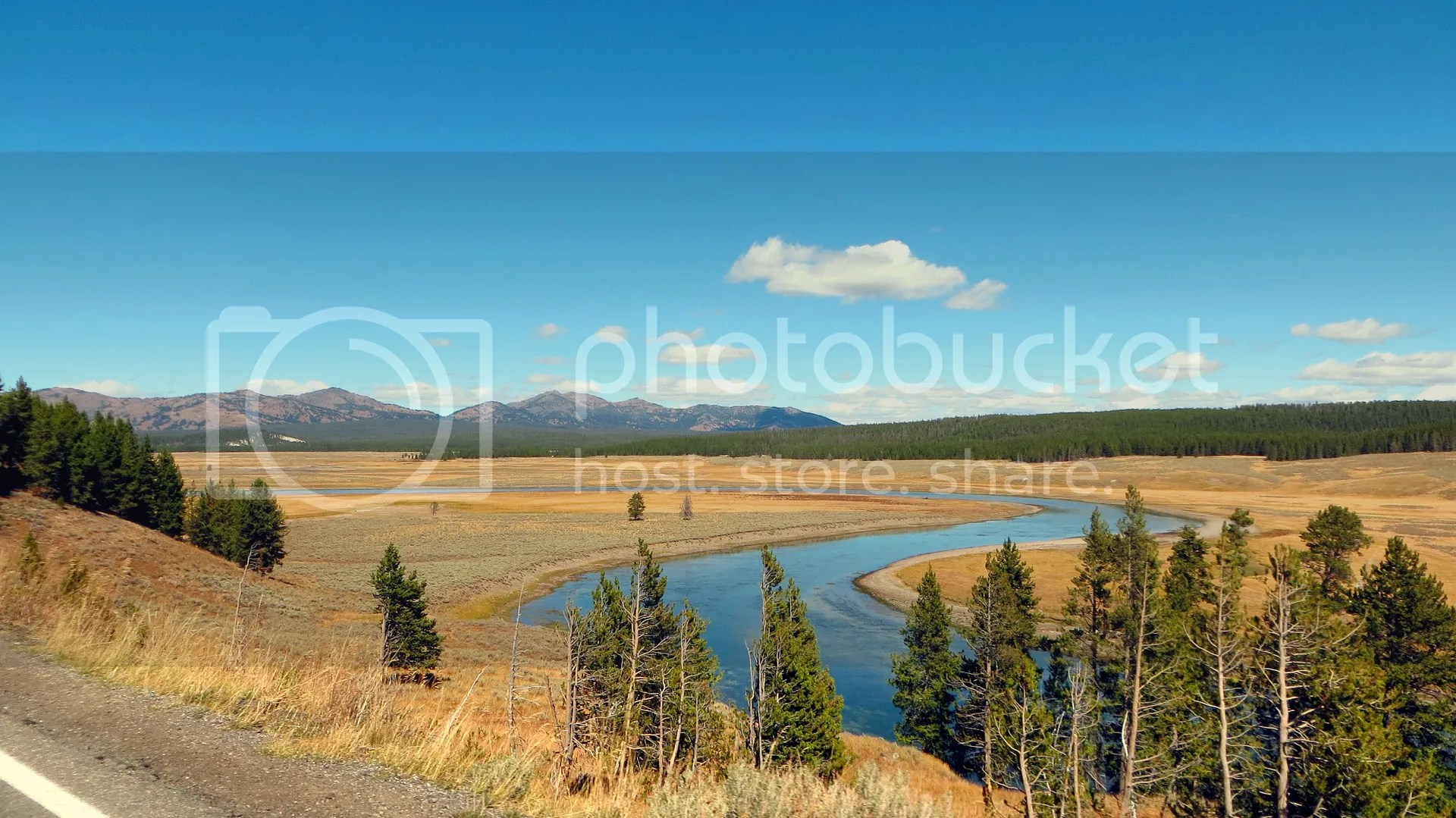photo YellowstoneRiver_tn.jpg