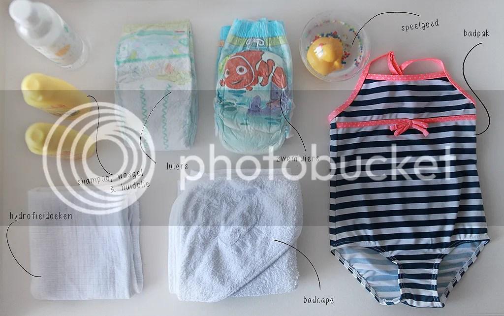 Zwemmen, Zwemmen met een kleintje, zwemband, badpak, babyzwemmen