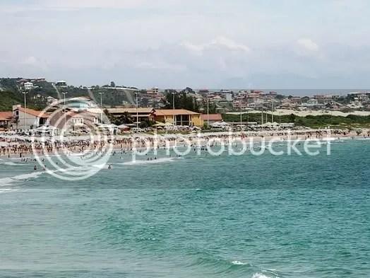 Pousadas na praia do Peró em Cabo Frio