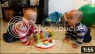Video Bayi Lucu - 2 Bayi Joget Bersama