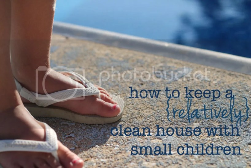 How to keep a clean house with small children   Tips on keeping a tidy house with small children