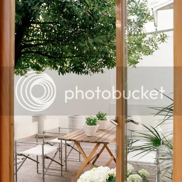 Home in east london homestilo for Garden design instagram