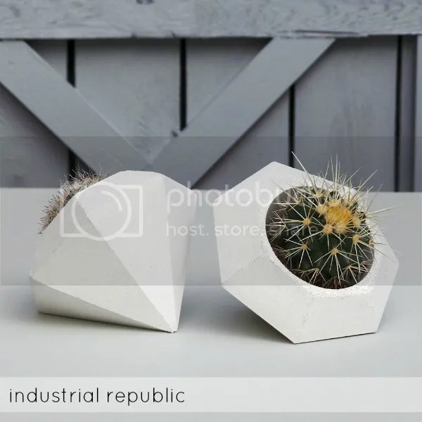 concrete planters_industrial republic
