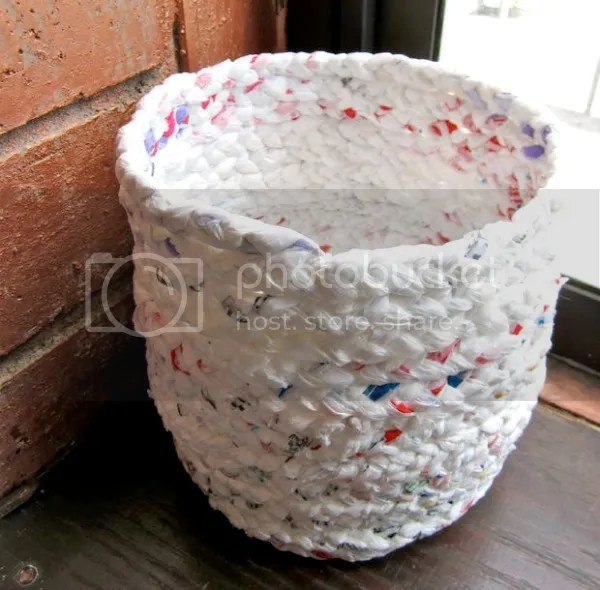 upcycled diy projects | plastic bag basket