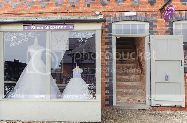photo Silver Sixpence Bridal 10_zpsw8jvxnzg.png