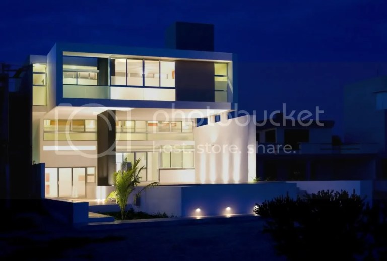 photo 50f98b4cb3fc4b5b18000033_stepped-house-seijo-peon-arquitectos_portada.jpg