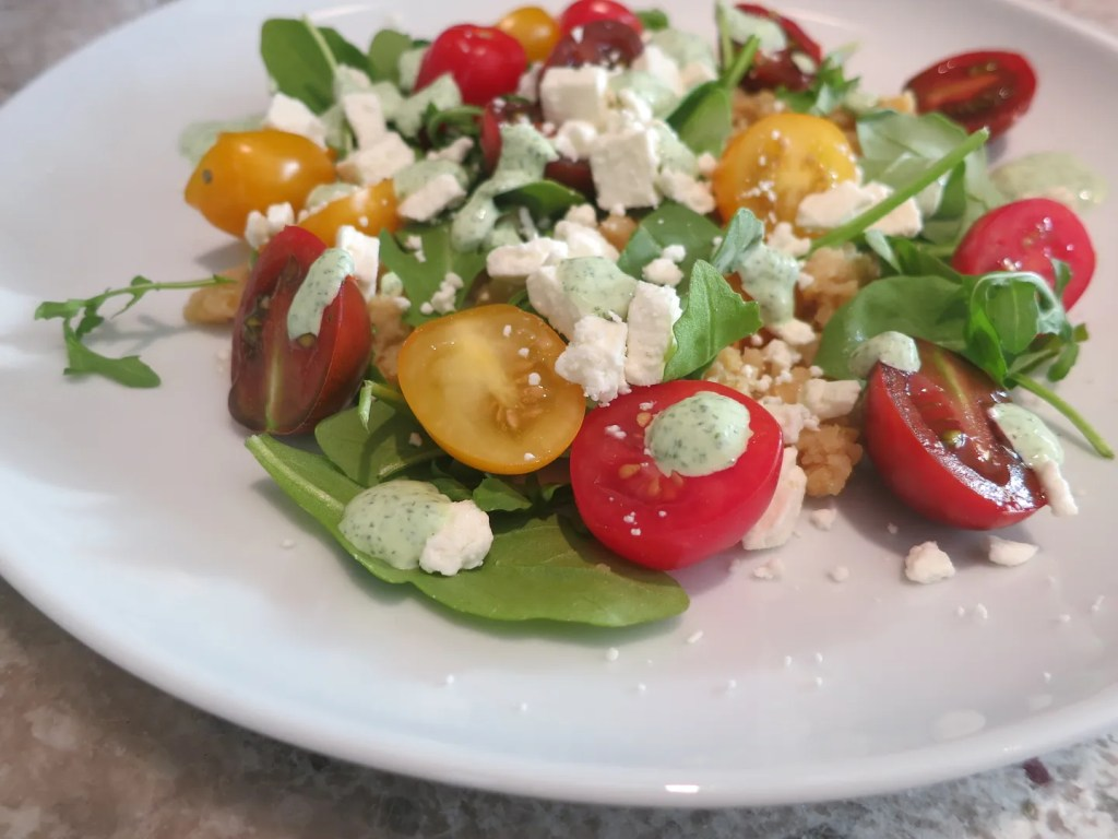 Delicious vegetarian and gluten free recipe: heirloom tomato, lentil and arugula salad with green goddess dressing