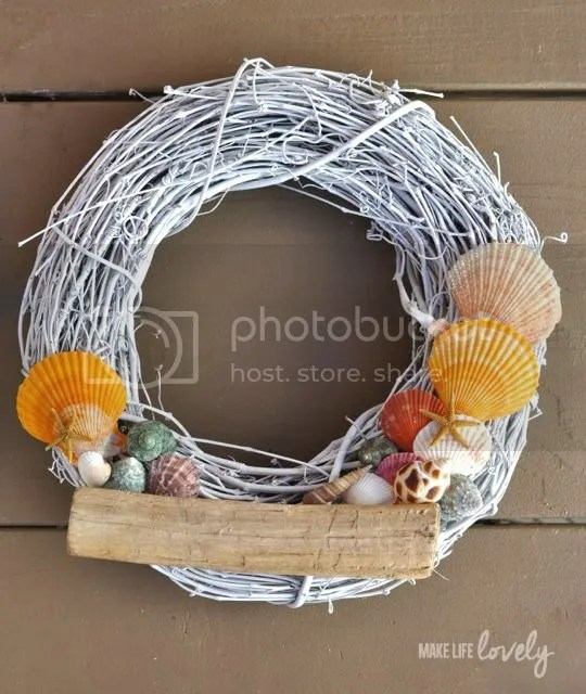 DIY seashell wreath for summer