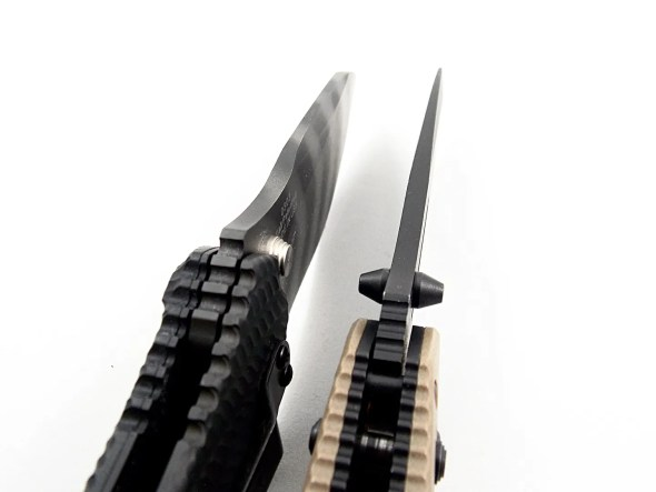 Both blades feature thick stock that is very fixed blade-like.