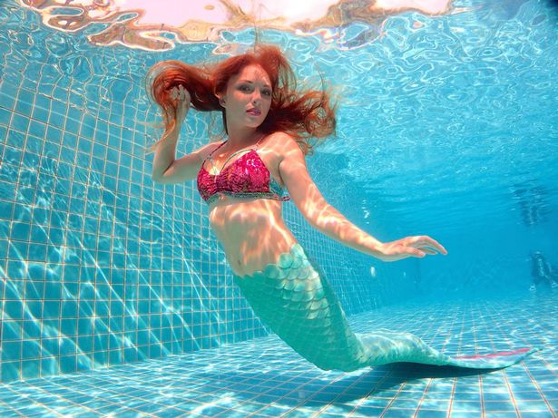 Meet the real life Little Mermaid   who earns a living swimming     Under the sea  Mermaid Melanie Long  Image  SWNS