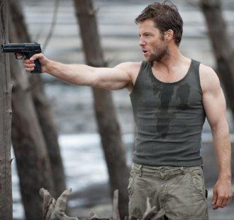 jamie bamber, hot guys with guns