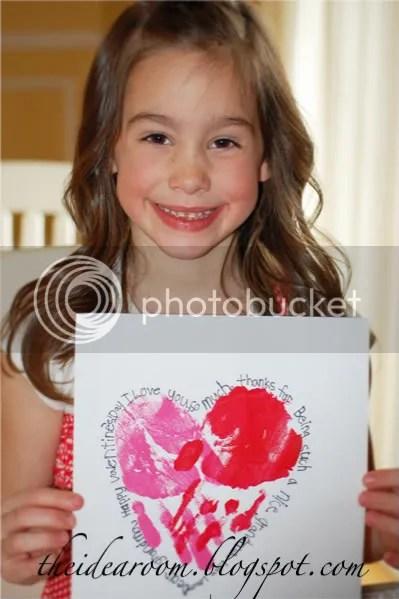 Make-Your-Own-Handprint-Valentine
