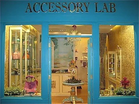 Accessory Lab at Power Plant Mall Rockwell