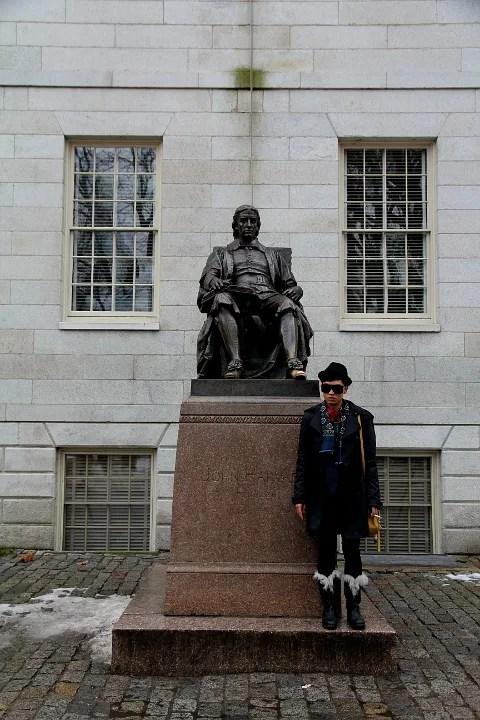 John Harvard Statue - Harvard University Tour