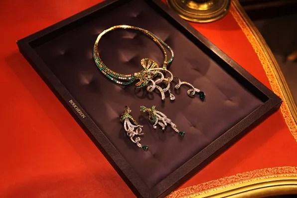 Boucheron Louise earrings