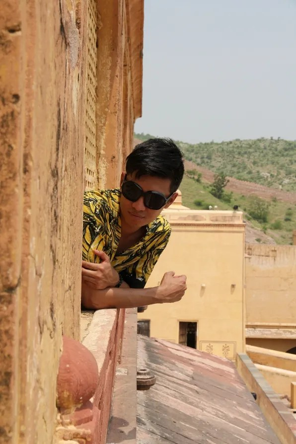 Bryanboy playing peekaboo at Amber Palace, Jaipur