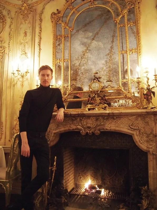 Turandot Moscow fireplace
