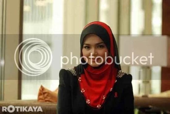 lagi gambar Siti Nurhaliza cantik bertudung litup Fareeda dengan