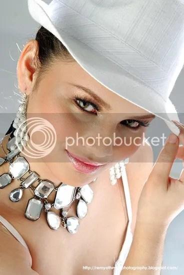 gambar ixara naib juara dewi remaja 2010