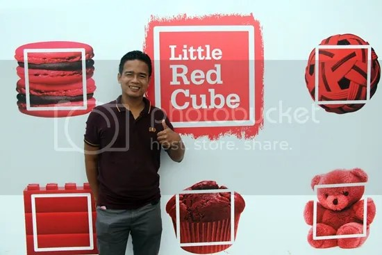 little red cube