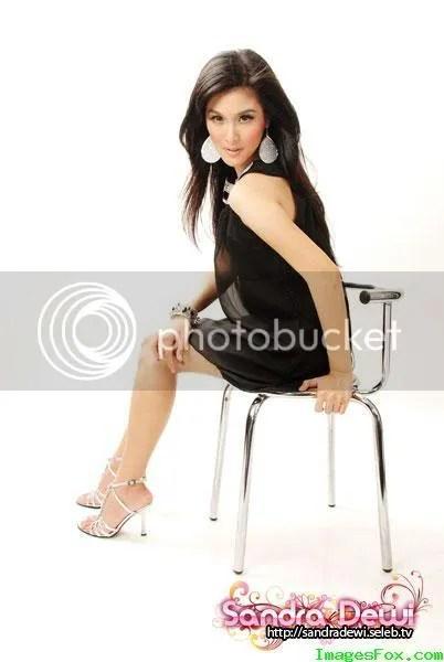 gambar seksi sandra dewi
