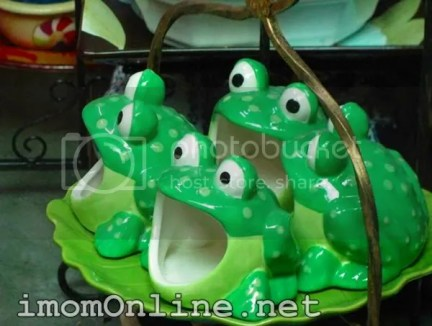 Cute ceramic froggies dapitan street market