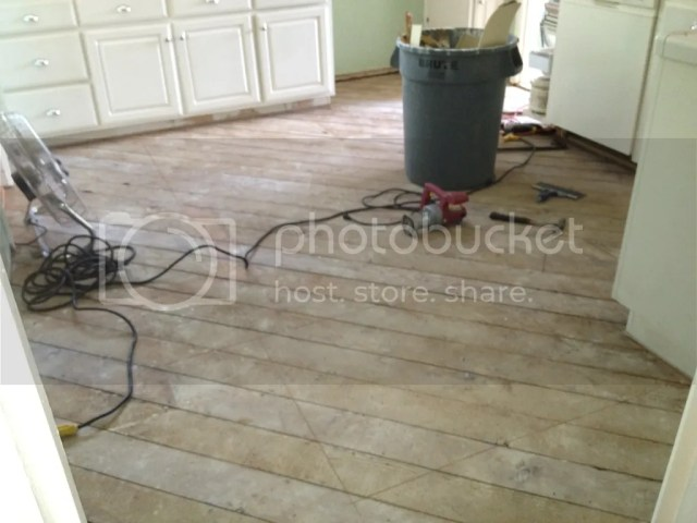 C3A7FE04 5448 4B1C 8DE2 02D953236905 2529 0000052CC0F06D11 Retro Marmoleum Flooring for the Kitchen   Day 1of the project