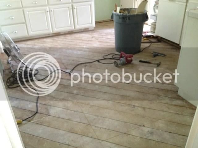 C3A7FE04 5448 4B1C 8DE2 02D953236905 2529 0000052CC0F06D11 Retro Marmoleum Flooring for the Kitchen   Day 1of the project
