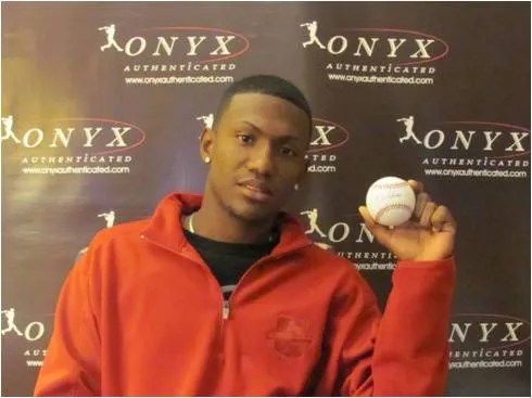 2011 Onyx Preferred Players Collection Baseball Julio Teheran With Ball