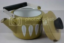 Olive green Cathrineholm kettle