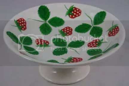 Vintage footed strawberry plate