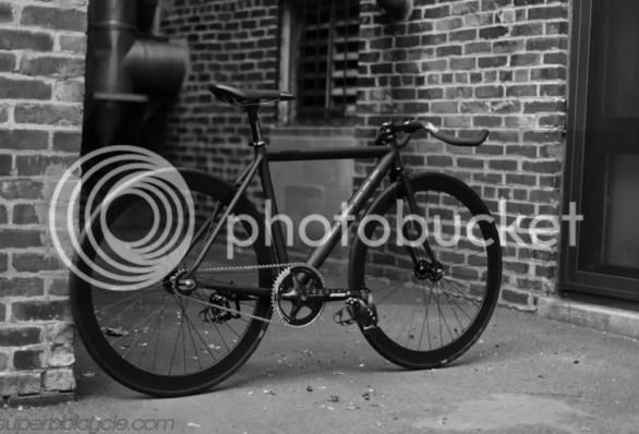 Superb Sprint Track Bike