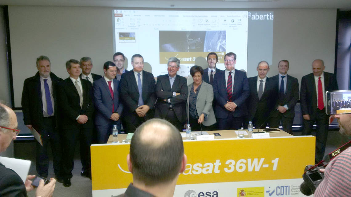 Hispasat 36w-1 Presentation - Elena Pisonero, Xavier Lobao and Juan Carlos Cortés with Industry representatives including Alejandro Torres, IberEspacio General Manager