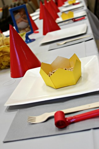babar party table