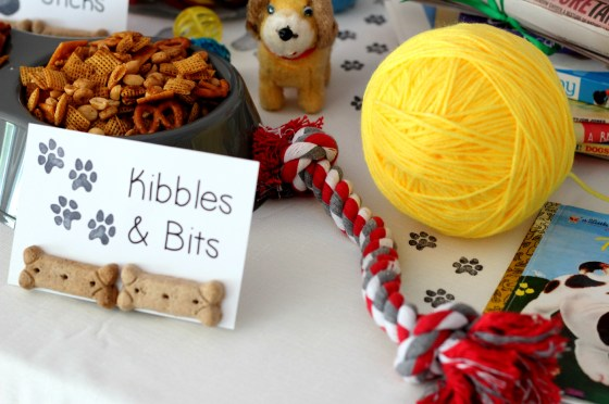 puppy-party-decorations-and-snacks