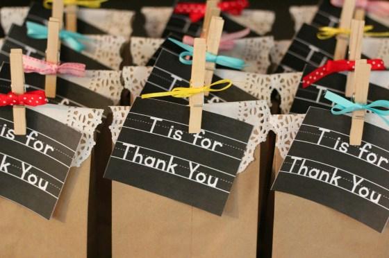 thankyou-favor-bags-clothespins