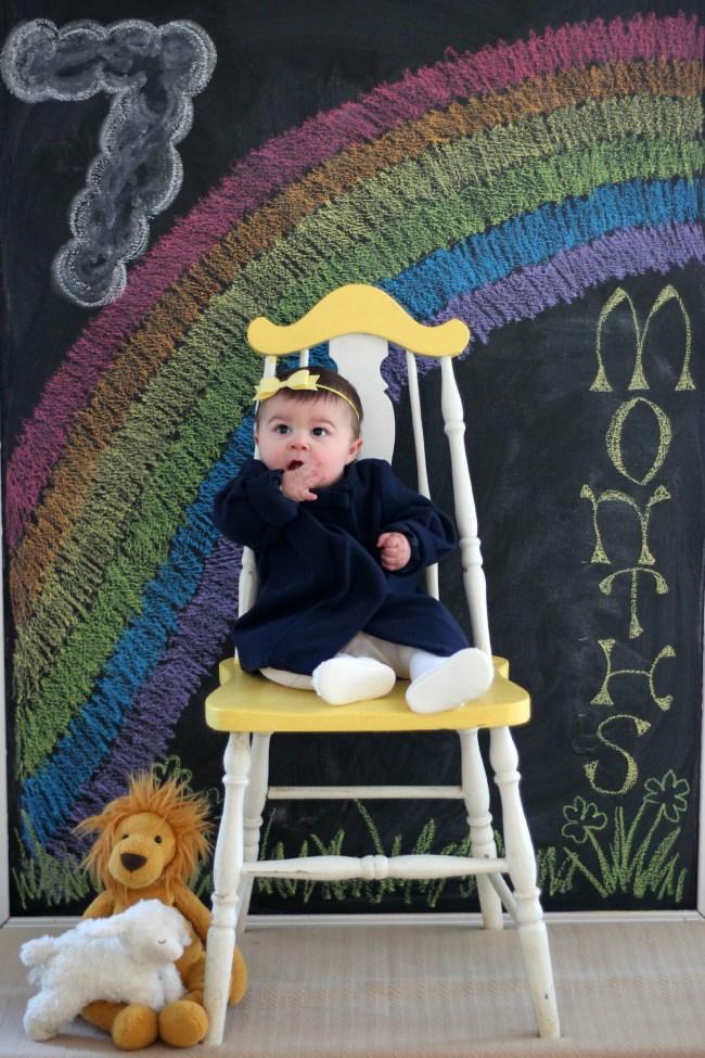 carmendy-7-months-photo-progression-rainbow-chalkboard