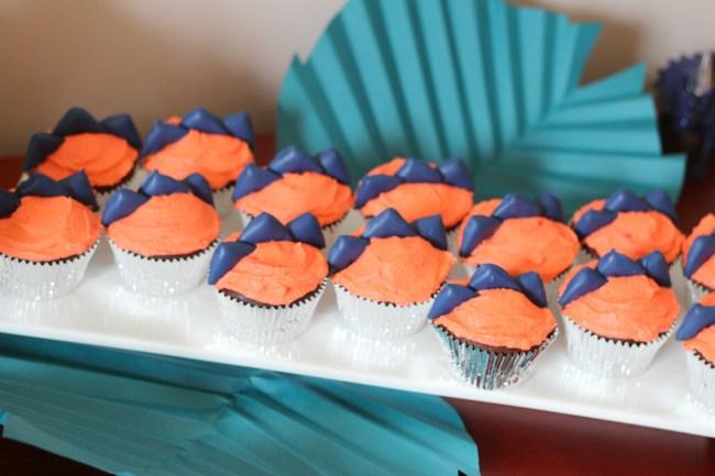 dinosaur cupcakes platter