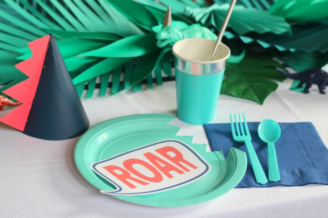plate setting with dino hat
