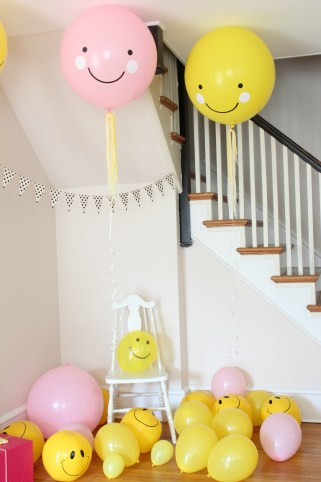 smiley face giant balloons