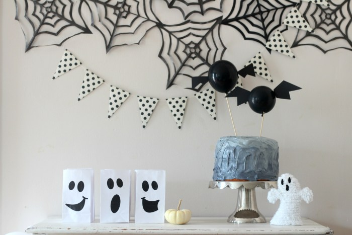 A Spooky Black & White Halloween Party